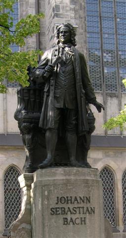 Estatua Johann Sebastian Bach en Leipzig